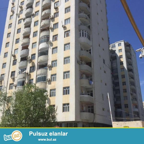 Около метро Ахмедлы, в элитном, полностью заселенном комплексе с Газом и Купчей продается 3-х комнатная квартира, 13/10, общая площадь 110 кв...