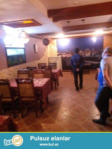 Weherin merkezinde yeni temirden cixmiw yol kenarinda yerlewen 330 kv restoran karaoke club satilir,Obyekt 4 zaldan,1 boyuk bardan,2 kabinetden,1mudriyet ucun ofisden,3 kuxnadan,4 sanuzelden,ve s...