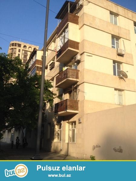 Сдается 2-х комнатная квартира в центре города, в Насиминском районе, по улице Низами, рядом с Китайским посольством...
