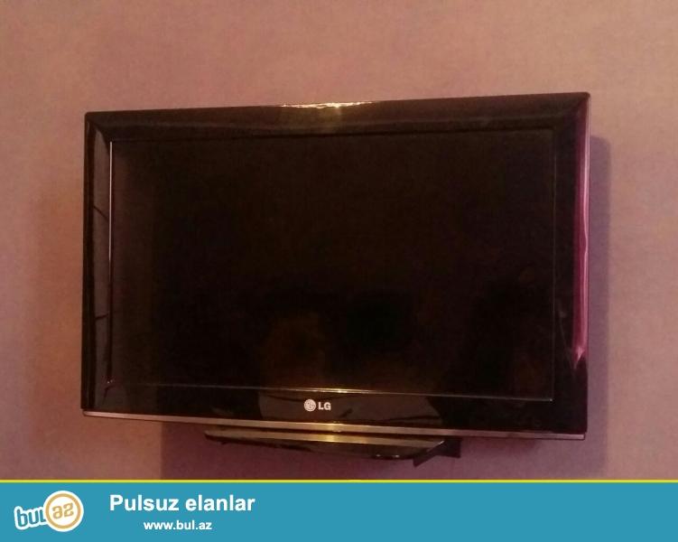 iki televizor birlikde satilir. ela veziyet. az iwlenib