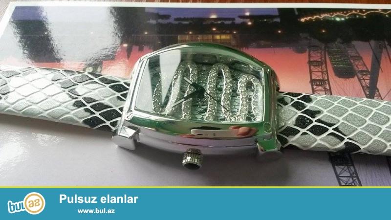 Fanatic quartz(orginal):Kvars mexanizm,paslanmayan polatdan korpus,suya ve zerbeye davamlı,mineral şüşe,deri kemer,xüsusi qaşlarla bezenilmiş korpus,xanımlar üçün...