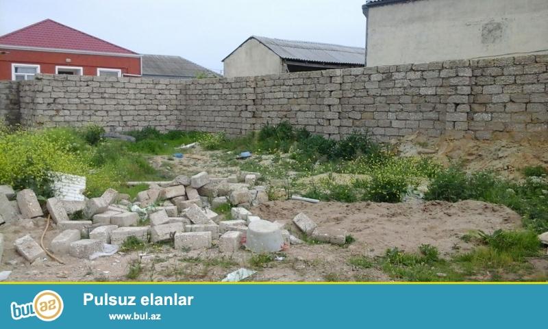 Zabrat 1 qəsəbəsində kərpic zavod deyilən ərazidə 198 nömrəli marşurut yolundan 150 metr məsafədə 1...