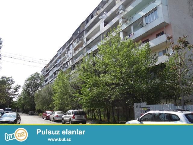 """""""Gənclik"""" metrostansiyası yaxınlığında, 9/4 -də 3 otaqlı mənzil kirayəyə verilir..."""