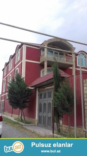 TECILI .DEYERINDEN COX ASAGI.Hokumeli dairesine yaxin erazide 5 sotda  3 mertebeli villa satilir...