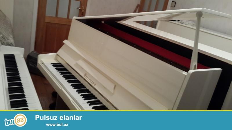 ag rengde ela veziyetde almaniya istehsali Wolfram, Belarus ve Ronish pianinosu, koklenmesi, catdirilmasi.