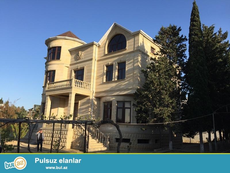 Sabunçu rayonu,Bilgəh qəsəbəsində yerləşən,20 sot sahəsi olan zövqlü layihəylə tikilmiş bağ evi satılır...