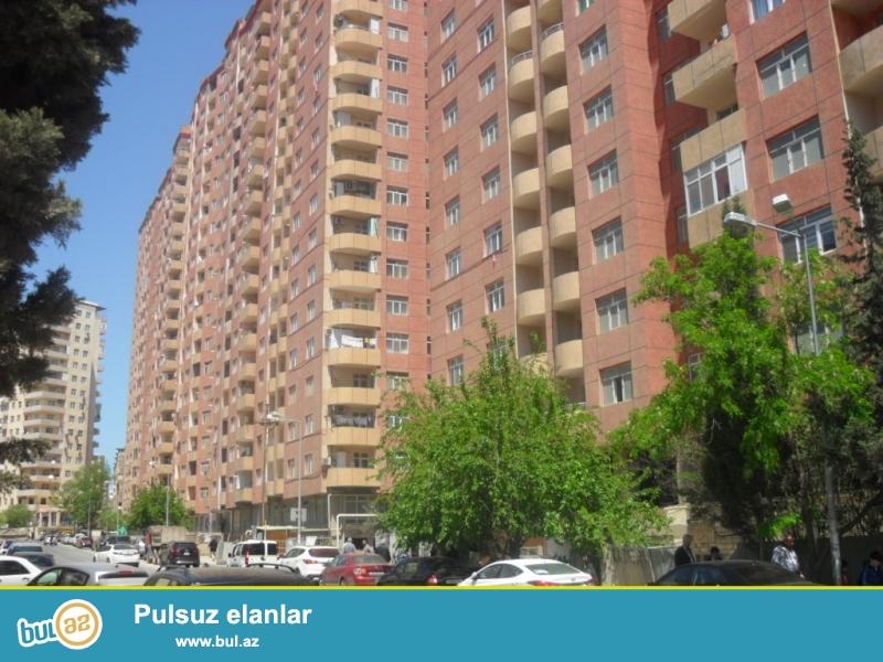 Продаётся срочно.<br /> Ени Ясамал, напротив «BİZİM MARKET»-а в полностью заселенном комплексе с «ГАЗ»ом 1 перед...