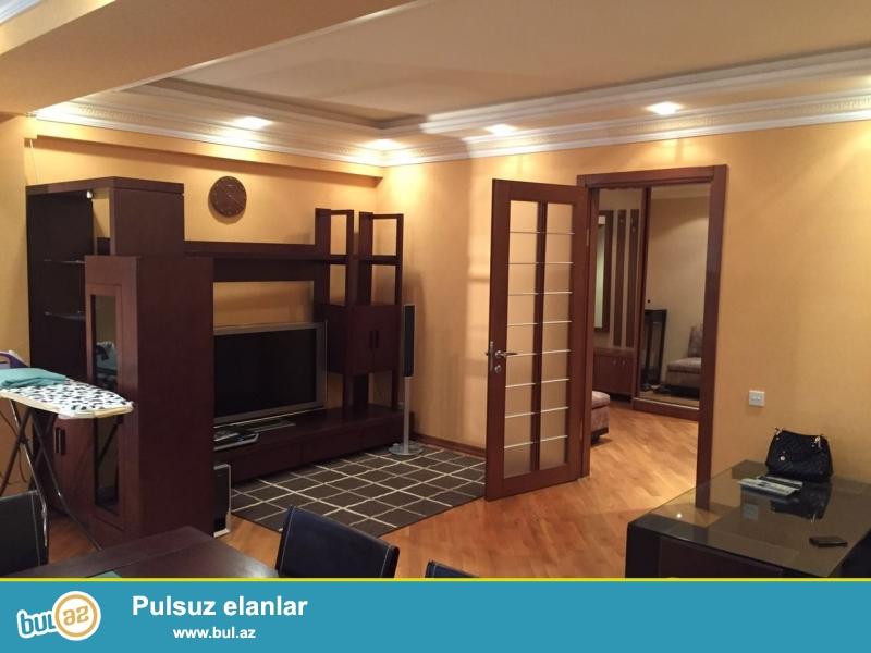 Сдается 3-х комнатная квартира в центре города, в Сабаильском районе, за Дом Советом...