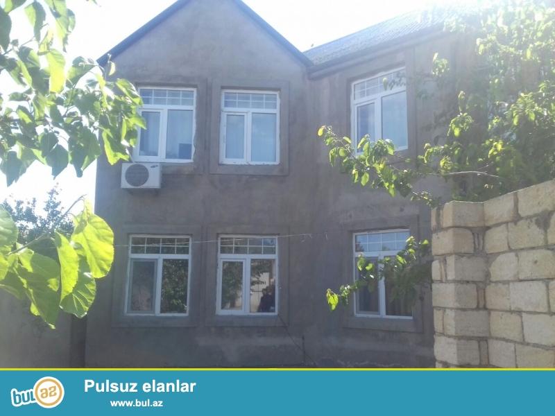 Masazırda H.Eliyev prospektinden 300X350 Metr mesafede, 3 sotun içinde 2 mertebeli ev satilir ...