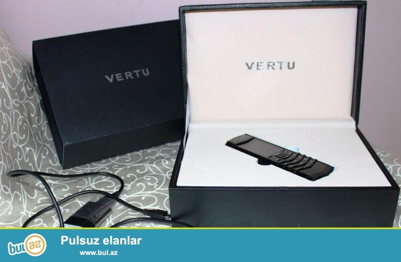Vertu Signature S design yeni rengleri de var qutuda aksesuarlari ile satilir.