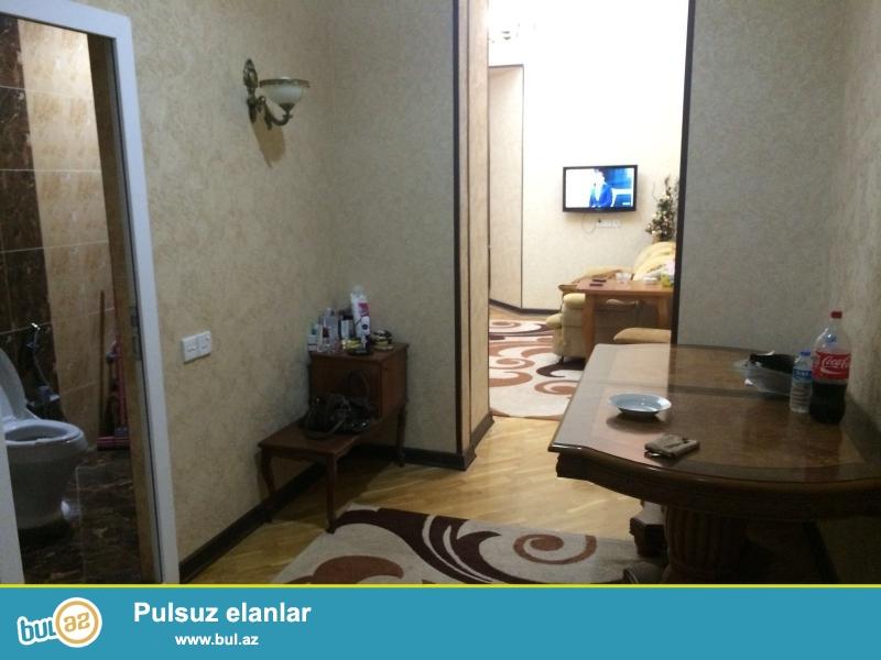 Продается 2-х комнатная квартира в центре города, в Сабаильском районе, по улице Толстого, рядом с магазином «Оскар» ...