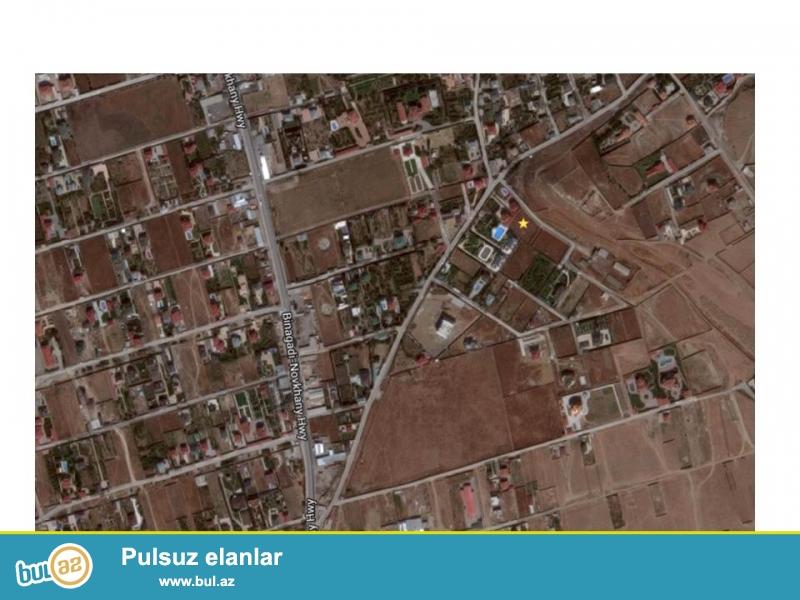 Novxanı qəsəbəsinin elit bağ evləri massivində hasarlanmış, darvaza qapılı, 20 sotluq torpaq sahəsi...