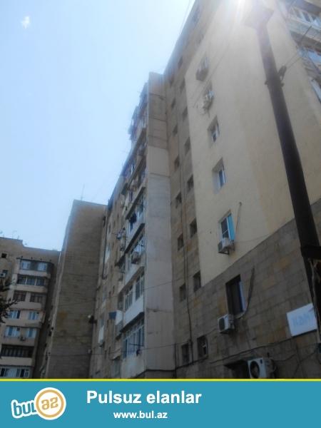 Yasamal rayonu, Elmlər metrostansiyasının yaxınlığında, 53 nömrəli məktəbin yanı,eksperimental layihəli daş binada 2 otağa düzəldilmiş mənzil satılır...