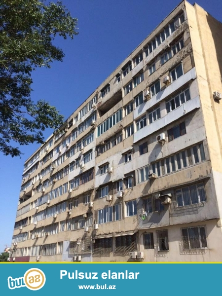 В центре города, в самом престижном районе, в 5-ти минутах ходьбы от станции метро «Низами» продается 3-х комнатная квартира с площадью 110 квадратных метров...