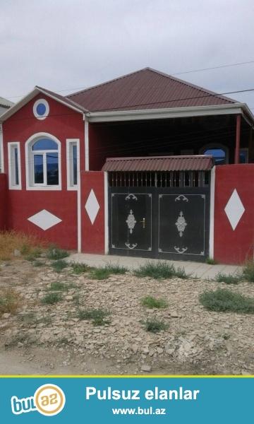 Binəqədi ray., Biləcəri qəs., Biləcəri-Binəqədi yolunda yola yaxın ərazidə 3 otaqlı ev satılır...