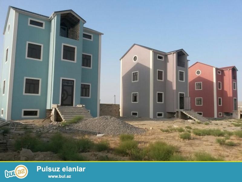 Очень срочно ! В элитном участке Новханы ,в 150 метрах от центральной дороги за *ДАЛГА* Маркетом продаются несколько новопостроенных  4-х этажных дома...