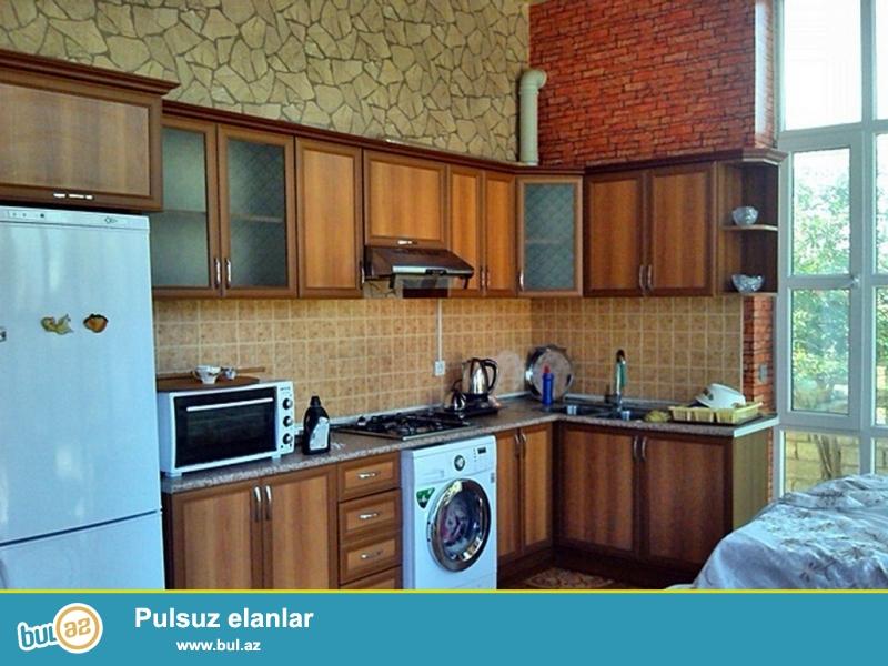 Оченьсрочно!Продается частный дом в поселке Бильгe , расположенный на 8-и  сотках,80-кв, кухня  и санузла...