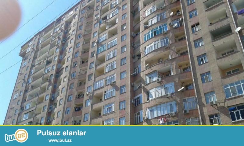 ОЧЕНЬ СРОЧНО!!! В районе Ени Ясамалы, около Бизим маркет, в элитно-жилом комплексе с Газом продается 2-х комнатная квартира, 20/15, общая площадь 48 кв...