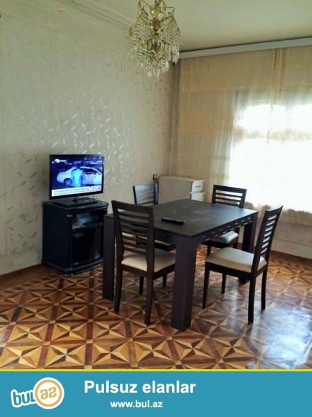 Срочно!  Сдаётся в аренду на долгий срок 2-х комнатная квартира старого строения,  3/5,  расположенная  в Ени Ясамал  не  далёко от  *Бизим  маркет*...