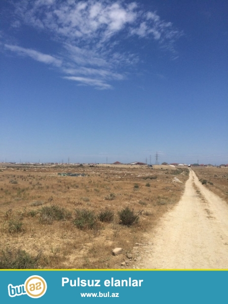 Zabrat yolunda Mexemmedi qesebesinde 50 hektar torpaq (2.4.6.10.20.30.40.50.60.70.80.90.100) sotda verilir...