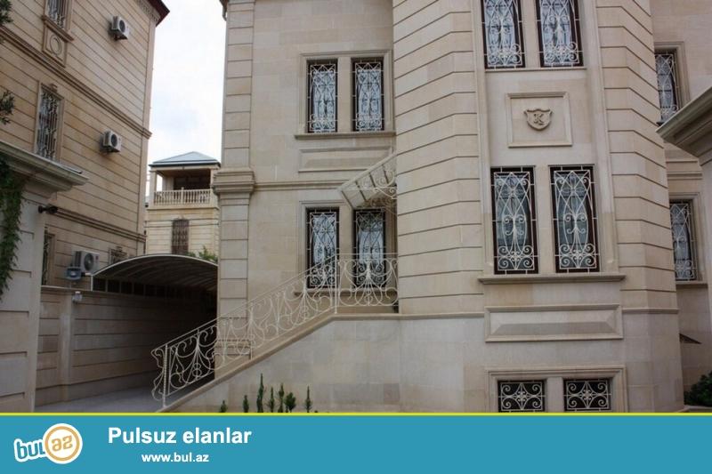 Очень срочно для  солидных клиентов  эксклюзивный вариант !!! За Отелем Европа в 300 м метрах от проспекта Гасан Алиева (бывший Инглаб )  , сдаётся  в аренду на долгий срок  4-х этажная вилла- особняк, площадью 1000 квадрат,  расположенная   на  6...