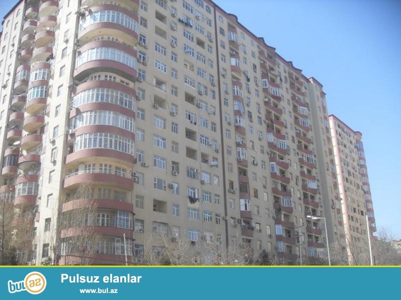 В районе Ени Ясамалы, около Витал клиники, в засёленном, жилом комплексе с Газом продается 2-х комнатная квартира, 17/12, общая площадь 61 кв...