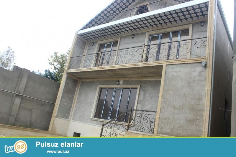 Очень срочно !  В поселке Бакиханово бывший Разино не далеко от д/т «AURA» продаётся 2-х этажный  6-ти комнатный частный дом площадью 600 кв ...