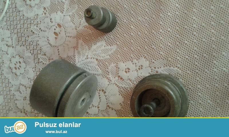 Nasatkalar diametri 20,50,63mm<br /> Plastmass Boruları yapışdıran ütü ücün<br /> 3 ədədi 10manat<br /> 0553723801
