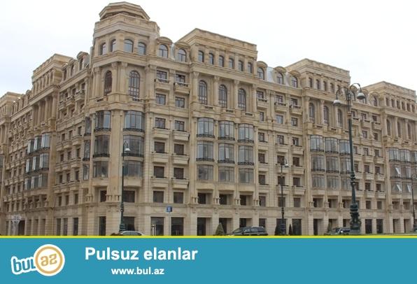 H.Əliyev pr. Rəssamlıq Akademiyası yaxınlığında, 9/7, ümumi sahəsi 110m2, olan 4 otaqdan 3 otağa genişləndirilmiş mənzil satılır...