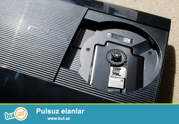 Playstation 3 Super silim 2ədəd əla veziyyetdeir,Her birinin Ustunde 2-cosik,1-Oyun diski,1-HDMİ şunuru verirem...