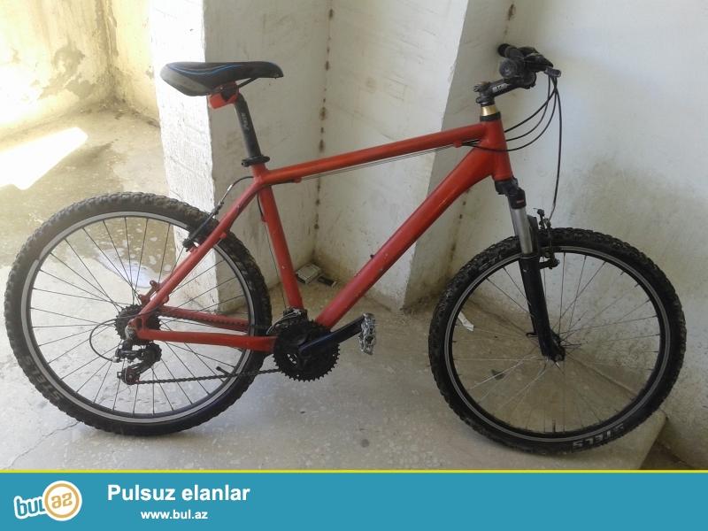 Çox keyfiyyətli velosipeddir. Aluminiumdandır. Stels 810...