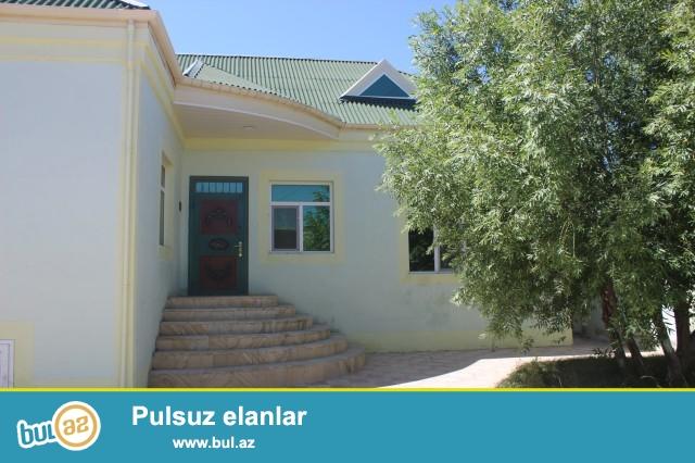 Sabunçu rayon Zabrat 2 qəsəbəsində,148 nömrəli marşurutun axrıncı dayanacağına 200m məsafədə 3...