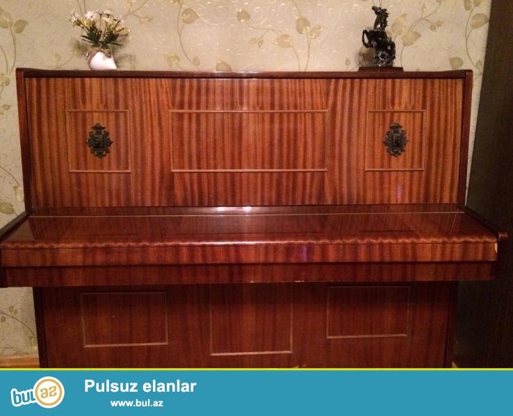 Pianino Belarus. 3 pedal 2 shamdan shabalidi reng koklu ela veziet.