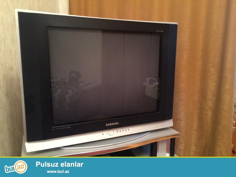 Az iwlenmiw Samsung tv, ela veziyetdedir, qiymetde razilawmaq olar...