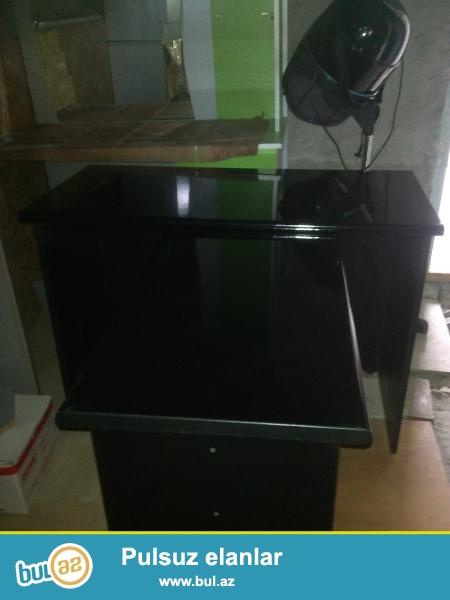Ofis üçün stol komplekti qara rengide(2+1)'ela veziyyetde, yarı qiymete...