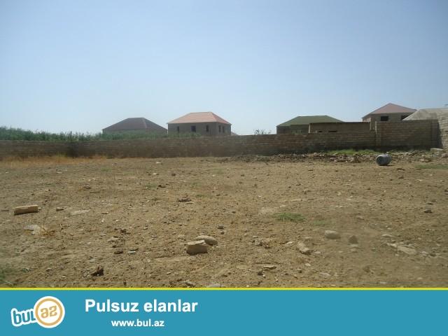 Sabunçu rayonu, Zabrat 2 qəsəbəsi, dəmir yolu tərəfdə əsas yoldan 400 metr məsafədə 6 sot torpaq sahəsi təcili satılır...