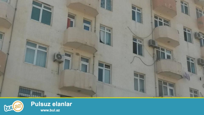 COX TECİLİ!!! Guneşlide, D massivinde, yaşayiş olan yeni tikilide 2 otagli ev satilir, 10/3, umumi sahesi 44 kv...