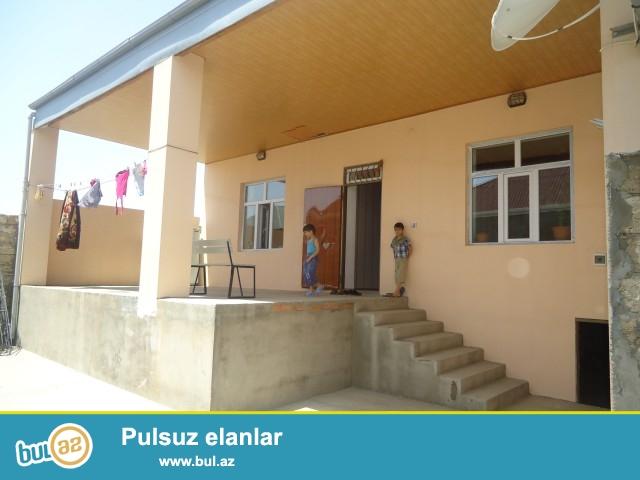 Sabunçu rayonu Zabrat Maştağa yolundan 120 metr məsafədə 5 sot torpaq sahəsində 2 ev satılır...