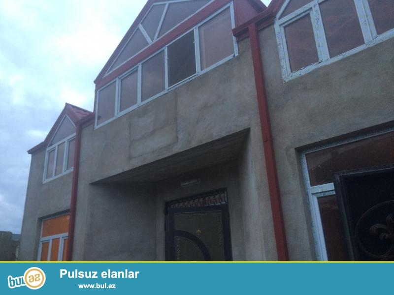 Zabrat 1 qes Yeni tikilmiw 2 mertebeli heyet evi,evin umumi sahesi 180kv...