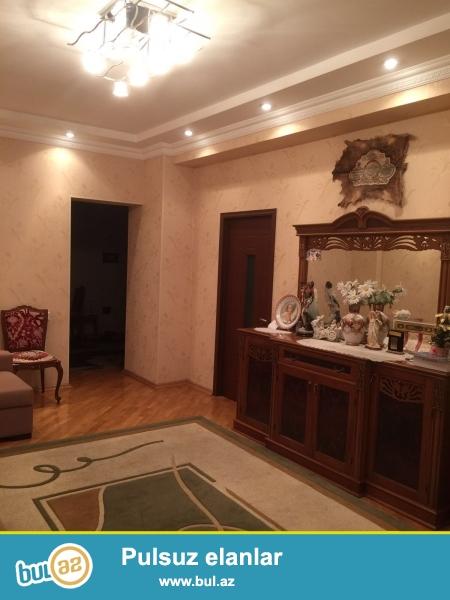 """Очень срочно! Взади м.ст.""""Низами"""" продается  2-х комнатная квартира нов..."""