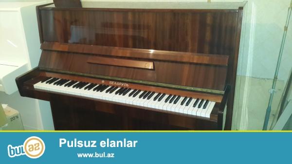 Əla veziyetde Polsha istehsali olan konsertni pianino Galiciya, rusiya istehsali Vyatka pianinosu satilir, koklenib kamertona, royal seslenmesine malikdir, korpusu temiz taxtadandir...