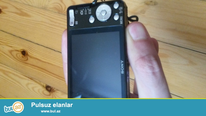 Sony cyber shot markali tam yeni fotoaparatdir yeni alinib indi satiram deyerinde iki defe asagi qiymete satiram...