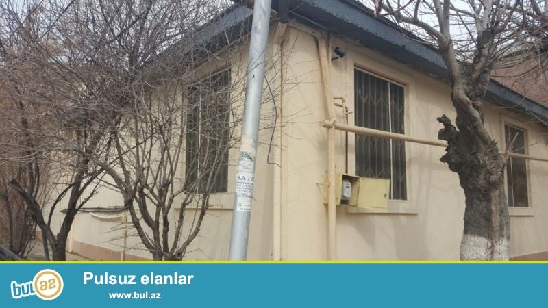 Очень  срочно  при въезде с проспекта Теймура Алиева продаётся    4-и комнатный  1-но этажный частный дом , площадью 200 квадрат, расположенный на 3 -х сотках приватизированного земельного участка ...