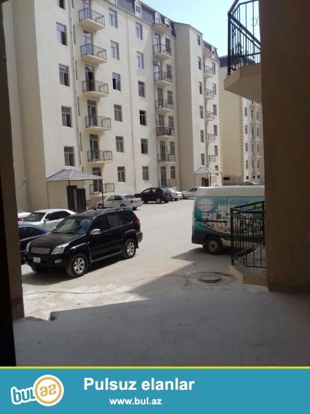 Tam yaşayışlı binada geniş 2 otaqlı mənzil !!! AAAF Parkda dəyərindən çox ucuz qiymət - 1 kv...