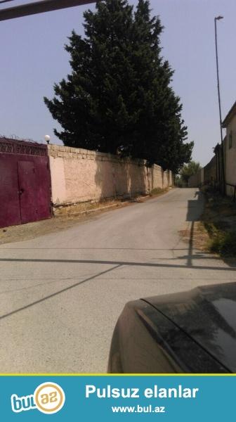 Срочно! На очень престижном участке в массиве  Новханы  рядом  «Боллуджа» маркетом  продается ЗЕМЕЛЬНЫЙ УЧАСТОК  площадью  15 сот   обведённый  частично каменным забором ...