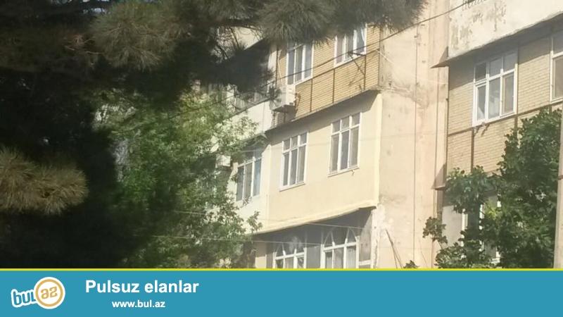 Ehmedlide, H. Aslanov metrosunun yaninda, leninqrad layiheli, 5/2, umumi sahesi 90 kv...