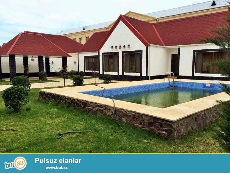 Очень срочно! В поселке Шувалан - Грес,  рядом с зияретгах , продается 4-х комнатный частный дом в стиле американка  расположенный на 7 сотках земли , площадь 140 квадрат , с евро ремонтом...