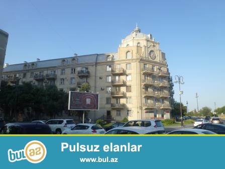 Y.Səfərov 4, 5/1 saatlı bina, Neftçilər prospektinin ayricinda...