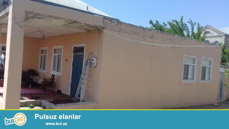 Abşeron rayonu, Sulutəpə dairəsinin yaxınlığında, yoldan 100 metr məsafədə yerləşən 3 sot ərazidəümumi tikili sahəsi 150 kv...