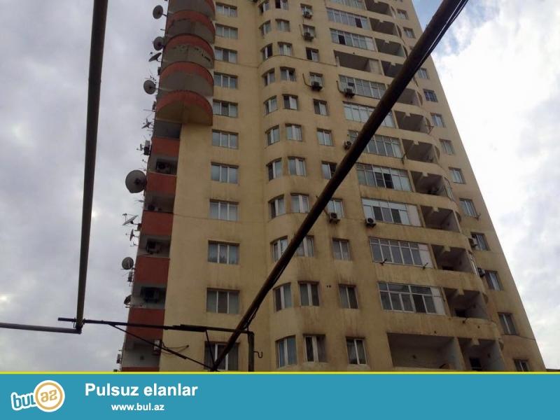 Срочная продажа.<br /> Недалеко от памятника «Нариман Нариманова» в полностью заселенной новостройке продаётся 2 переделанная в 3-х комнатную квартира...
